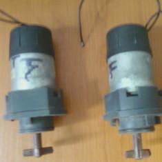 2 motoare solubile zanusi, 24 volti se vind impreuna se pot folosi si la altceva