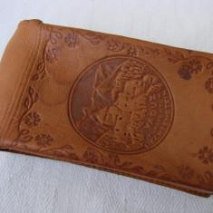 Husa din piele naturala pentru pachet tigari, din capitala Liechtenstein - Vaduz