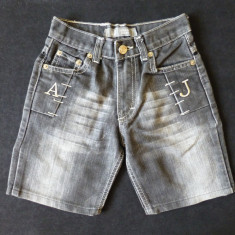 Blugi scurti Armani Jeans Made in Italy; 58 cm talie, 35.5 cm lungime; ca noi - Blugi dama Armani Jeans, Marime: Alta, Culoare: Din imagine