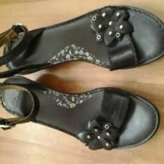 sandale piele marimea 38