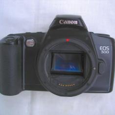 Cutie Canon EOS 500 - Aparat Foto cu Film Canon, SLR, Mic