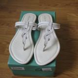 Sandale / papuci Clarks, model Silvi Shade, noi (cu eticheta), piele, marimea 41, Alb