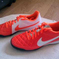 Adidasi Nike - Ghete fotbal Nike, Marime: 41, Rosu, Barbati, Asfalt: 1, Teren sintetic: 1