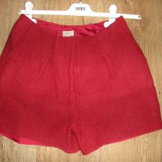 SUPER PRET! Pantaloni scurti H & M stofa Sz. 36/S - Pantaloni dama, Culoare: Rosu, Tweed