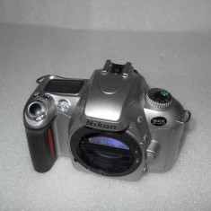 APARAT FOTO PE FILM NIKON F55, BODY IMPECABIL - Aparat Foto cu Film Nikon