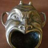 Scrumiera veche din bronz masiv, cap de demon