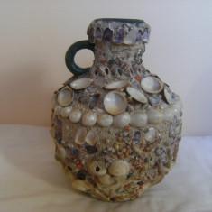 Superb ulcior ceramica, lucrat si decorat manual cu scoici de mare, inaltimea 25 cm, deschidere 6cm, baza 10 cm, piesa de colectie/decor ! - Arta Ceramica