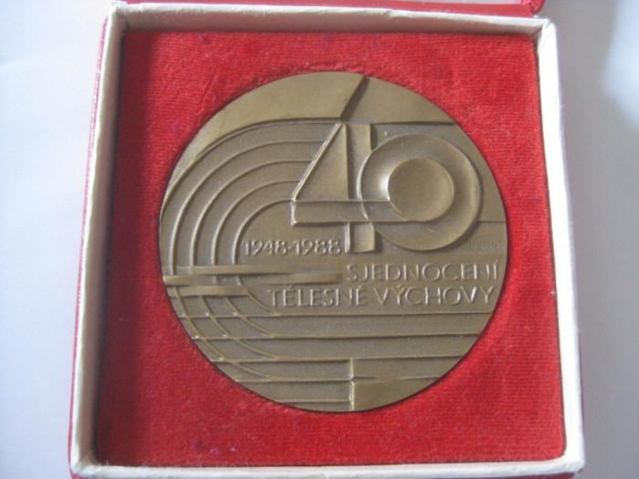 REDUCERE 30 LEI! MEDALIA CEHOSLOVACA 40 ANI DE LA UNIFICAREA EDUCATIEI FIZICE 1948-1988
