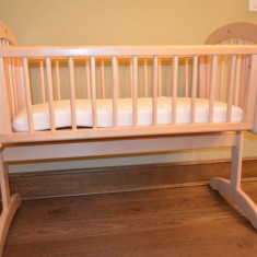 Patut balansoar din lemn pentru bebelusi - Patut lemn pentru bebelusi, 0-6 luni, 120x60cm, Crem