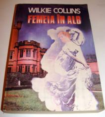 FEMEIA IN ALB - Wilkie Collins foto