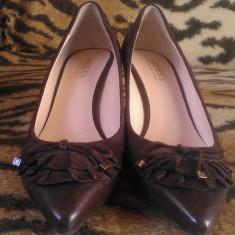 Pantofi damă, marca Guess by Marciano originale, culoare maro, piele naturală, mărimea 37, preț 150 RON - Pantof dama Guess, Cu platforma
