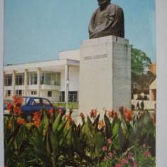 Carte  postala (Vedere )  - ZALAU - Bustul  lui  Simion  Barnutiu, Circulata, Fotografie