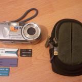 Kit: Camera Digitala Sony Cybershot DSC-P93 + accesorii - Aparat Foto compact Sony, 5 Mpx, 3x, Sub 2.4 inch