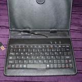 Husa Tableta cu tastatura