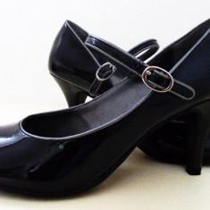 Rafinament, eleganta, stil! Pantofi de dama din piele, Kenneth Cole Reaction originali. - Pantof dama Kenneth Cole, Culoare: Negru, Marime: 39.5, Piele naturala, Cu toc
