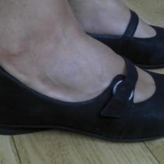 Pantofi din piele marimea 36,aproape noi!