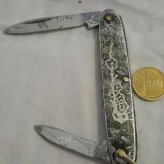 Vechi Briceag Solingen marcaj pe Lama cu model frumos gravat manual - Metal/Fonta
