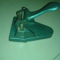 Perforator Vechi - Masina de perforat