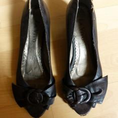 Pantofi din piele naturala La Vivo; marime 38 (24.7 cm talpic interior) - Pantof dama, Culoare: Din imagine, Cu toc