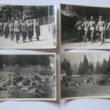 REDUCERE 20 LEI! 4 FOTOGRAFII WW II CU DEFILAREA OFITERILOR GARNIZOANEI PREDEAL 1942 - Fotografie veche