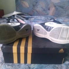 Adidas Lift Off Basketball Shoes - Adidasi barbati, Marime: 43, Culoare: Alb, Textil