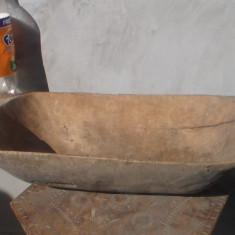 Covata de lemn / sculptata manual