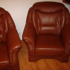 Ocazie: Set canapea 3 locuri + 2 fotolii din piele naturala, Canapele fixe, Din piele ecologica
