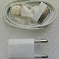 Kit Cablu de date compatibil iPhone 4 + Incarcator priza USB 5V 1A - NOU