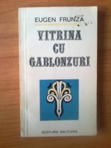 n5 Vitrina cu gablonzuri - Eugen Frunza
