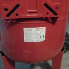 Rezervor apa potabila Varem Maxivarem US 80L folosit f putine ore