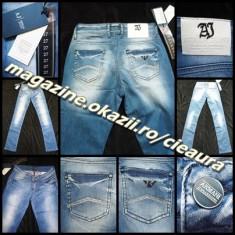 Blugi dama Armani Jeans GEN FIRMA ARMANI PRESPALATI DREPTI TALIE JOASA 100% BUMBAC CRISTALE, Marime: 26, 27, 29, Culoare: Albastru, Lungi
