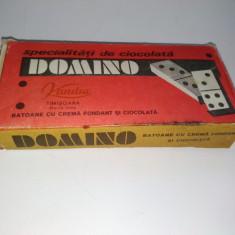 """Veche cutie de carton """" BATOANE CU CREMA FONDANT SI CIOCOLATA"""" - DOMINO, Kandia - Cutie Reclama"""