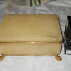 Splendida Cutie veche bijuterii alabastru, lucrata manual