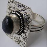 Inel vechi din argint cu piatra neagra cu reflexe indigo - de colectie - Inel argint