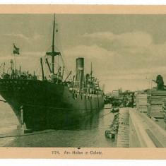 1276 - GALATI, Ship in the harbor - old postcard - unused