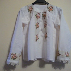 IE / CAMASA CU MOTIVE TRADITIONALE - tesatura textila
