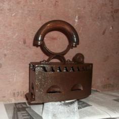 Fier de calcat vechi (cu carbuni) pentru decor - Metal/Fonta, Altul