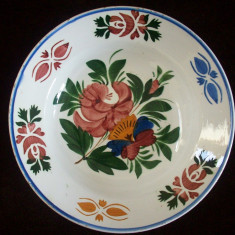 Farfurie din portelan Hollohaza de la sfarsitul sec.XIX.Motiv floral.