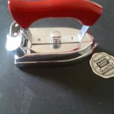 Fier de calcat vintage Rowenta