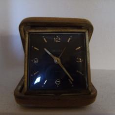 Vechi ceas de masa, cutie, marcat DELUXE, 2 jewels, made in Germany, perfect functionabil. - Ceas desteptator