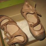 Pantofi din piele naturala pentru fetite (PATAUGAS)