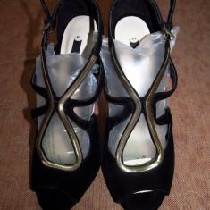 Sandale Zara noi, din catifea - Sandale dama Zara, Culoare: Negru, Marime: 39, Negru
