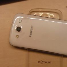 Samsung S3 32 GB alb - Telefon mobil Samsung Galaxy S3, Neblocat, Dual core, 1 GB
