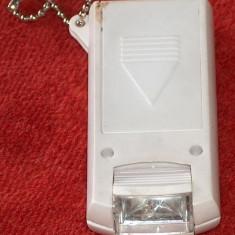Minilanternă cu cap mobil 2 x 1, 5V (R6 / AA)