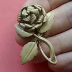 Brosa - perioada interbelica - motiv floral - alama !!!