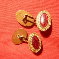 Pereche Butoni vechi bronz aurit cu email rosu, inc.sec.XX