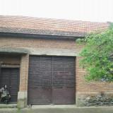 Casa la curte - Casa de vanzare