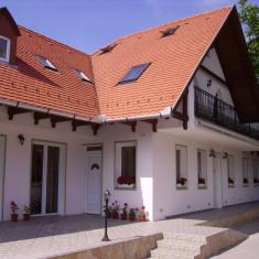 János Vitéz Panzió és Étterem Eger, Ungaria - 2 nopți pentru 2 persoane în timpul săptămânii cu demipensiune - Circuit - Turism Extern