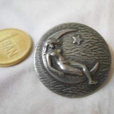 Interesant si Vechi Medalion Pandativ Vintage