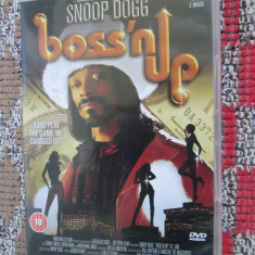 SNOOP DOGG - BOSS ' N UP - film DVD + 1 CD BONUS (original din ANGLIA, in stare impecabila!!!) - Film actiune, Engleza